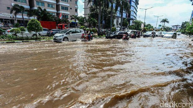 Jakarta Banjir Lagi, DKI Disarankan Koordinasi-Kurangi Beautifikasi