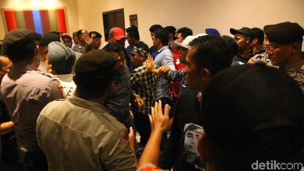 Ribut di Arena Kongres PAN! Pendaftaran Peserta Diminta Ditutup