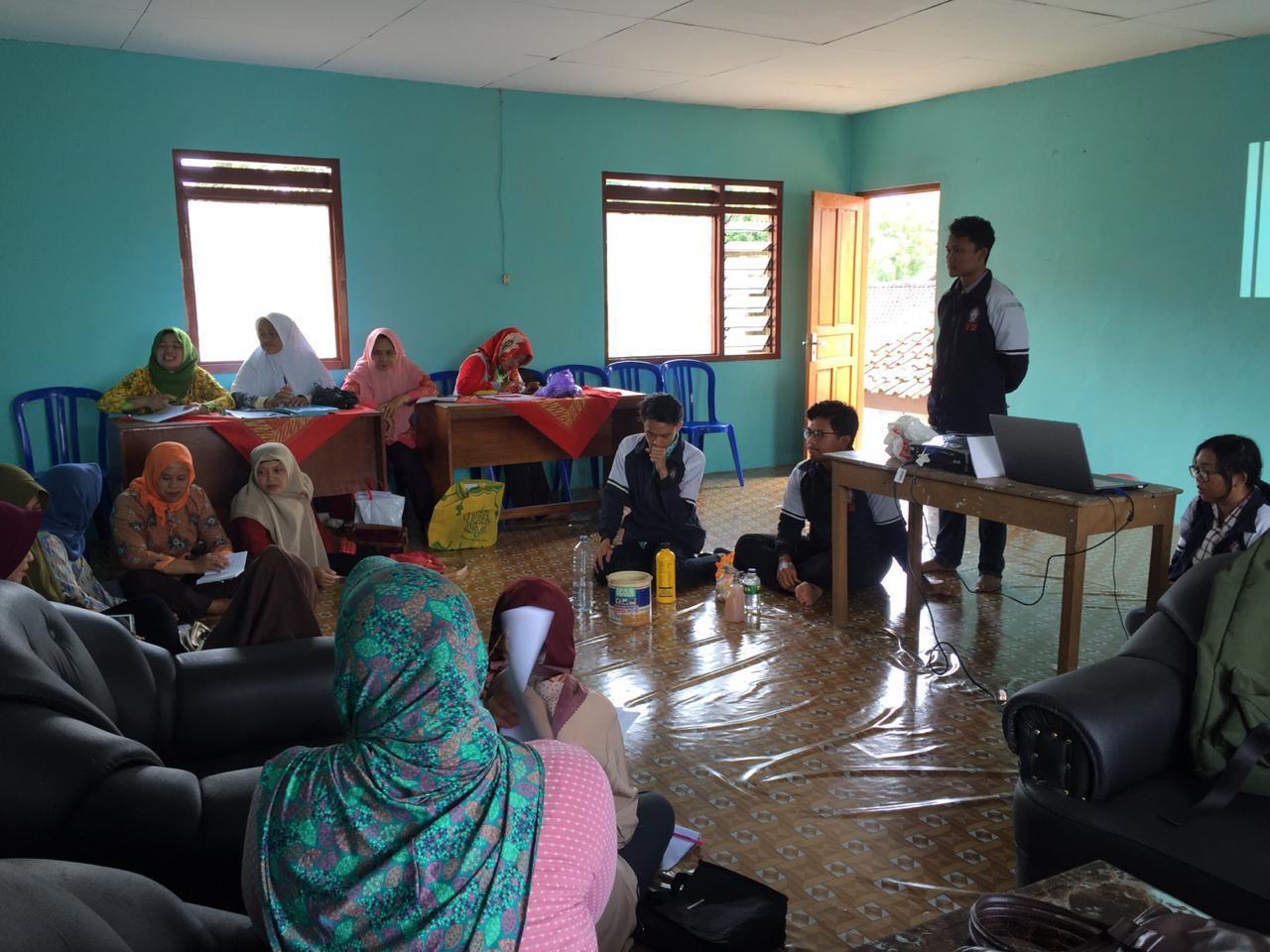 Sosialisasi Pengelolaan Sampah di Desa Bedono