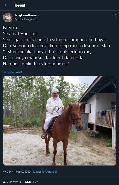 Cuit HUT Pernikahan ke Istri sambil Berkuda, Tengku Zul Diserbu Warganet