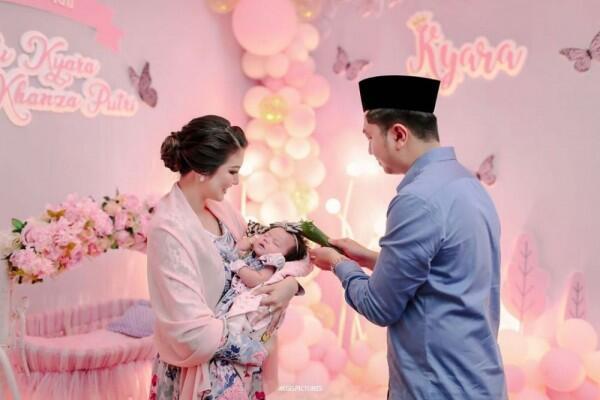 9 Momen Haru & Bahagia Akikah Tengku Kyara, Anak Ariska Putri Pertiwi