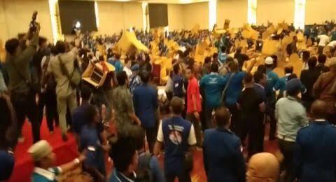 Amien Rais Dievakuasi Sebelum Kubu Zulhas dan Mulfachri Ricuh di Kongres