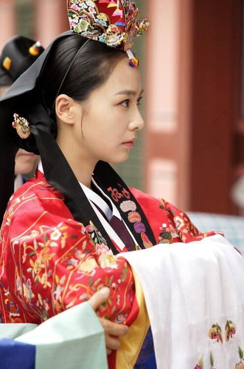 Cantiknya Warna-warna Baju Tradisional Korea