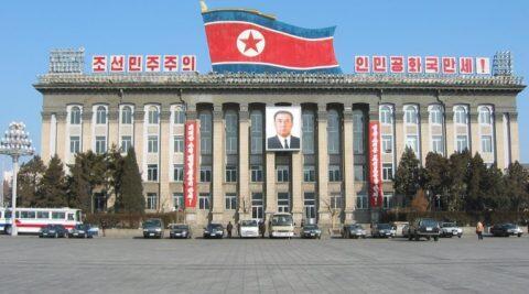 Sang Diktator yang Dipuja