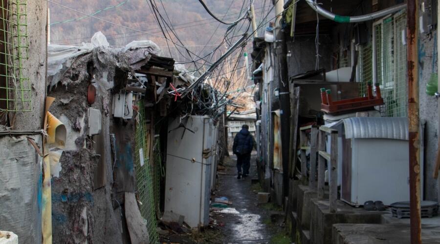 Kondisi Miris yang Tak Pernah Muncul di Indahnya Drama Korea