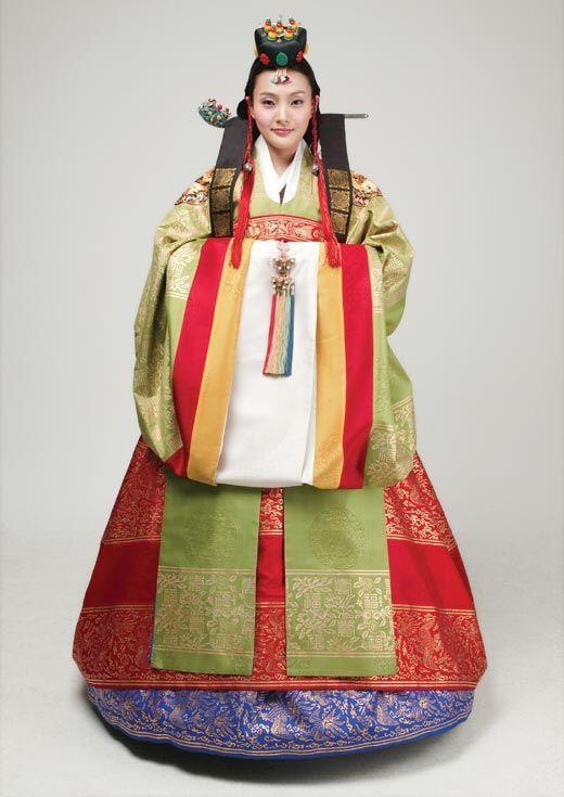 Pakaian Tradisional Korea Ternyata Longgar dan Indah