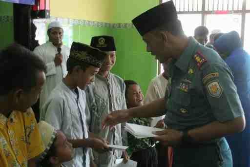 Santuni Anak Yatim Piatu, Denpom Lanal Banyuwangi Peringati HUT ke-74 Pomal