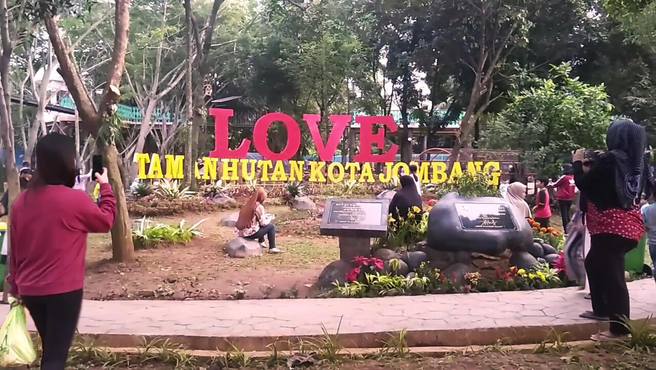 Review Taman Hutan Kota Jombang Di Tangerang Selatan
