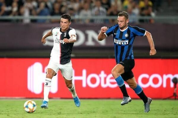 Handanovic Alami Cedera, Inter Milan Pilih Viviano Sebagai Pengganti