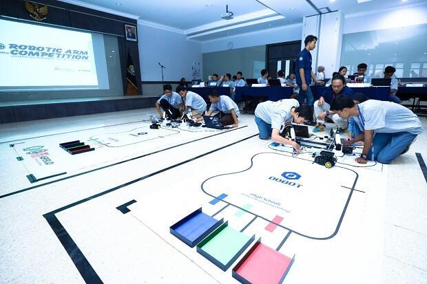 Gali Kreativitas Siswa, Universitas Pancasila Gelar Kontes Robotic
