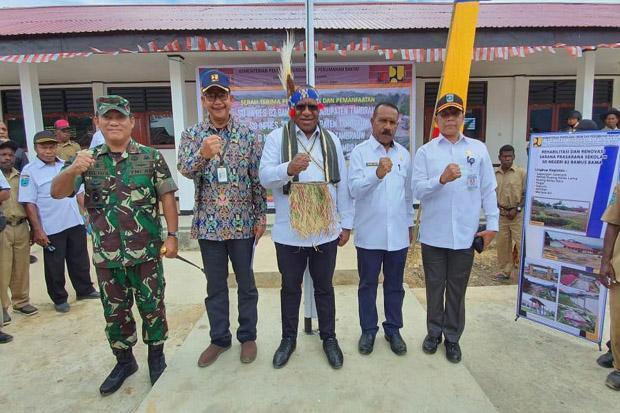 Wamen Jhon Wempi Tinjau Pembangunan Infrastruktur di Tambrauw