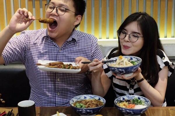 FOOD VLOGGER Indonesia yang punya banyak PENGARUH..!!! Pengaruh lapar dan gagal Diet