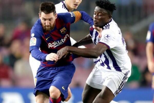 Manchester United Mengincar Bek Real Valladolid Mohammed Salisu