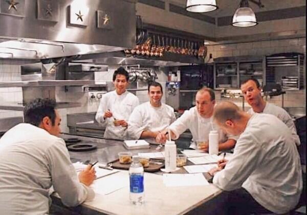 10 Transformasi Chef Juna yang Bikin Pengling dengan Pesonanya