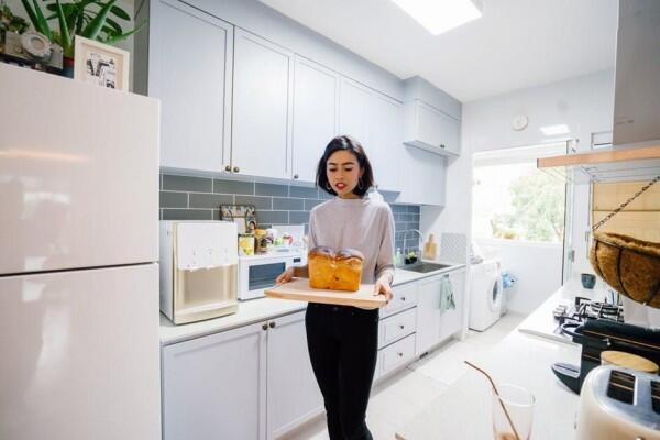 5 Sikap yang Pantang Kamu Lakukan Saat Berkunjung ke Rumah Pasangan