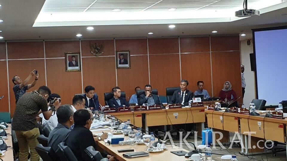 Ketua DPRD ke Anak Buah Anies: Jangan Merasa Otak Lu Pintar Sendiri