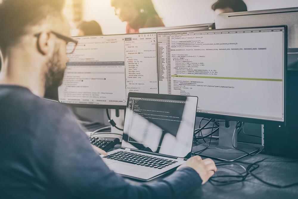 Full Stack Developer Jadi Salah Satu Profesi Paling Dicari di Indonesia Saat Ini