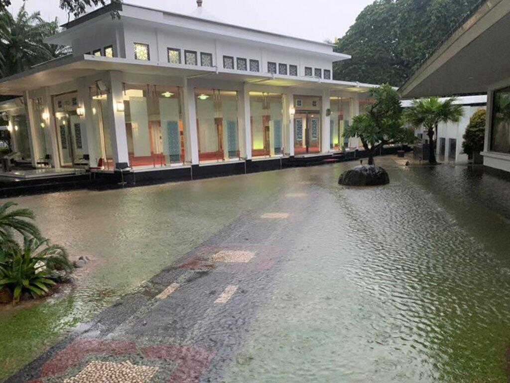 Kantor Presiden Jokowi Kebanjiran