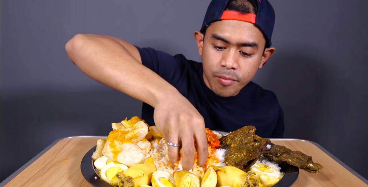 Review Konten-Konten Tanboy Kun : YouTuber Kuliner Paling Rakus se-Indonesia