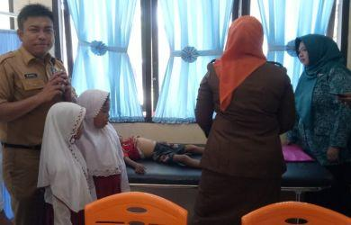 Indonesia jadi Negara Maju, Tiga Bersaudara Makan Sabun Cuci untuk Bertahan Hidup!