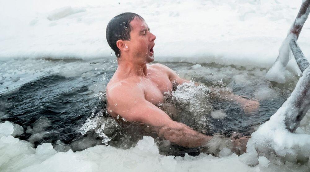 Rayakan Ulang Tahun Dengan Mandi 30kg Es Kering! Aksi Ekstremnya Berujung Kematian!
