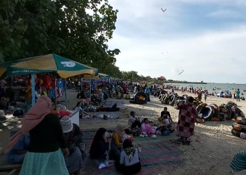 [COC Regional: Lokasi Wisata] Pasir Putih Delegan Salah Satu Destinasi di Kota Gresik