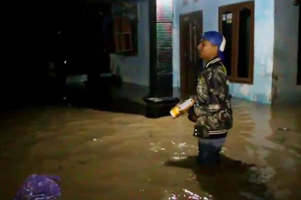 Hujan Lebat dan Sungai Meluap, Ratusan Rumah di Cirebon Terendam Banjir