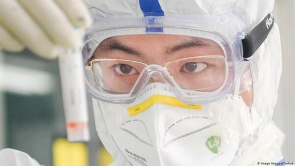 Ilmuwan Dokter China Sebut COVID-19 Bukan Sekedar penyakit Flu biasa