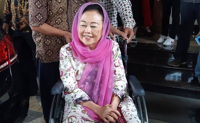 Sinta Nuriyah Sosok Wanita Tangguh Di Indonesia