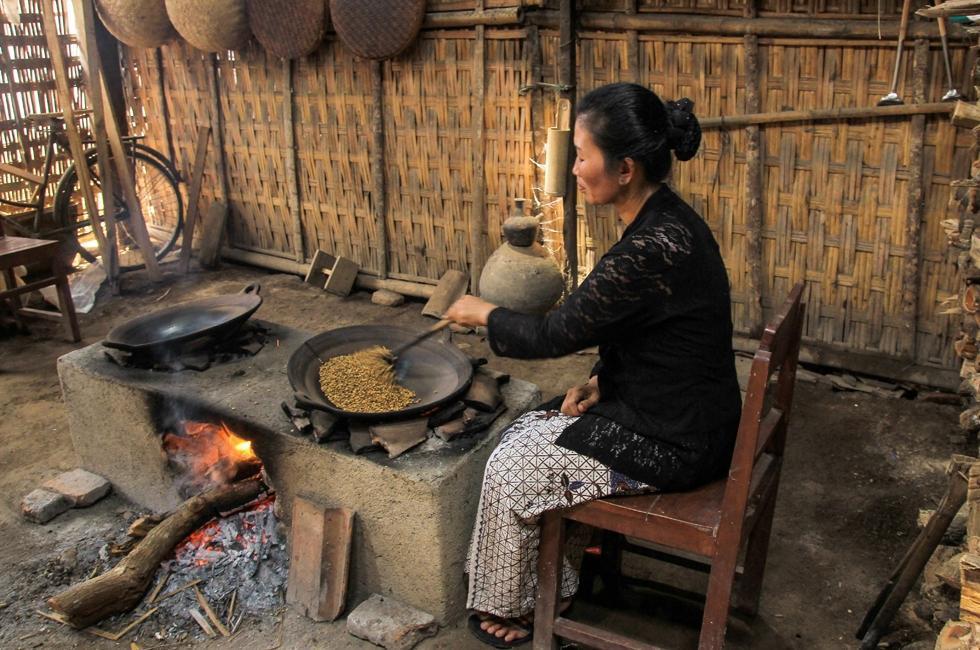 [COC Regional: Makanan Tradisional] Mencecap Semangat Dari Kopi Kothok Khas Blora