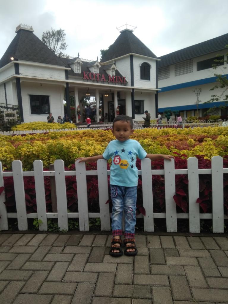 [COC Regional : Tempat Wisata]Floating Market Bandung, Sensasi Wisata di Pasar Apung