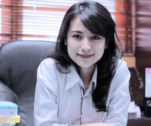 Risa Santoso, Rektor Termuda Indonesia Yang Memiliki Segudang Pengalaman.