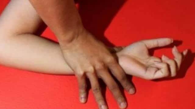Kisah Nyata Gadis Tulungagung Lagi Datang Bulan Disuruh Ngangkang Paksa Oleh Pacar