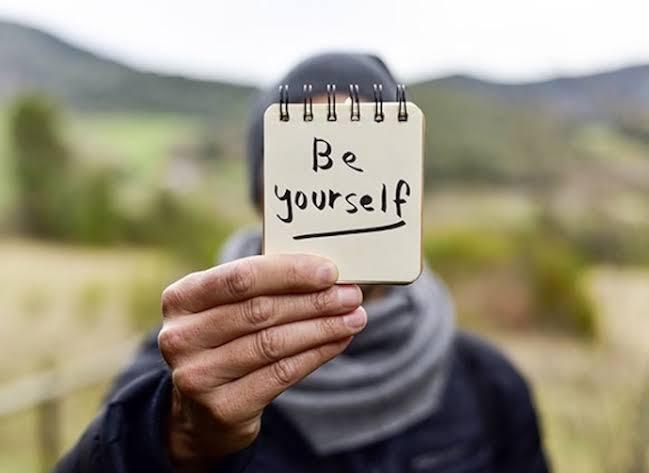 Jadilah Diri Sendiri, Jangan Mau Diperbudak Oleh Omongan Orang Lain!