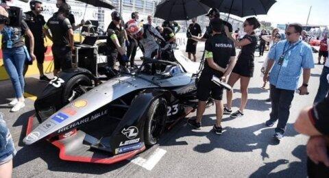 WNI Positif Corona Terus Bertambah, Anies Resmi Tunda Formula E di Jakarta