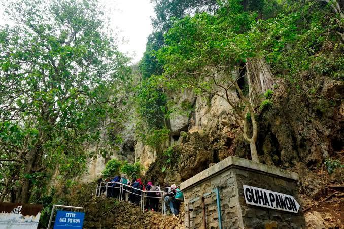 [COC Regional : tempat wisata] Goa Pawon-Stone Garden, wisata Batuan Purba di Bandung