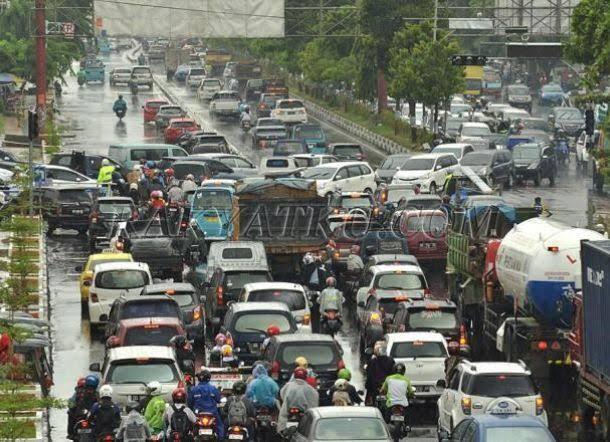 Jakarta Macet, Kota Lain Tinggal Menunggu Waktu