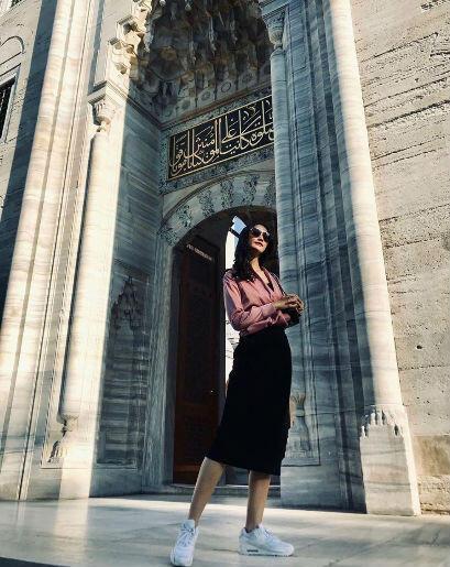 9 Inspirasi Outfit Simpel ala Ayu Maulida, Puteri Indonesia 2020