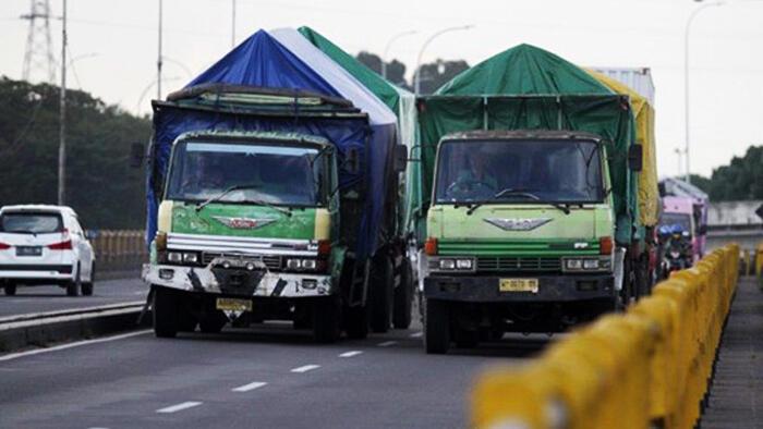 Kemenhub Meminta Produsen Ban Menurunkan Kualitas Ban Truk Indonesia, Ada Apa?