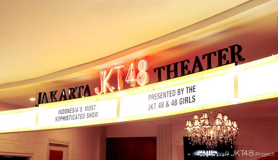 Mencoba Menonton Theater JKT48 Untuk Pertama Kali