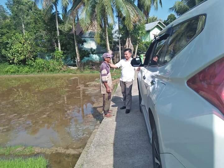 Dua Orang Petani Tua Mencuri Perhatian Wakil DPRD Kabupaten Sijunjung! Ada Apa Sih?