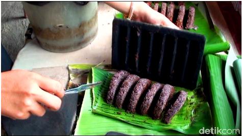 Dange Kue Tradisional Berbahan Baku Tepung Ketan Hitam, Bikin Kangen dan Rasa Nambah