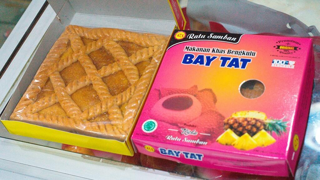 [ COC Regional : Makanan Tradisional ] Kue Tart/Bay Tat, Saksi Acara Adat Masa Lampau