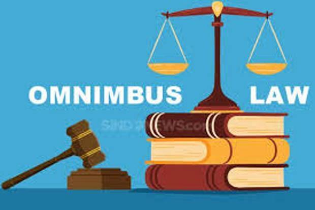 Omnibus Law Cara Sederhanakan Ribuan Birokrasi Investasi