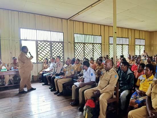 Bupati Asmat Ajak Kepala Distrik dan Kampung Fokus 4 Bidang Pembangunan