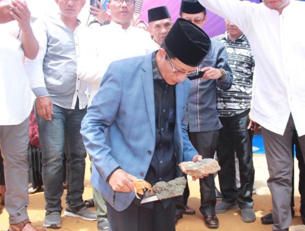 Seorang Anggota Polisi Kendari Hibahkan Tanah Untuk Pembangunan Sebuah Masjid