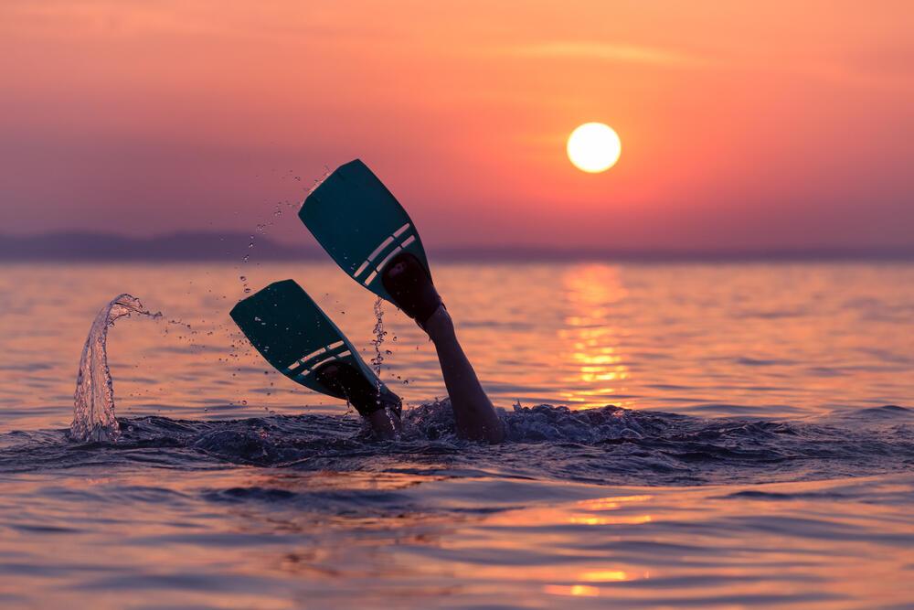 Tak Bisa Berenang Tapi Nekat Snorkeling? Ini Tipsnya