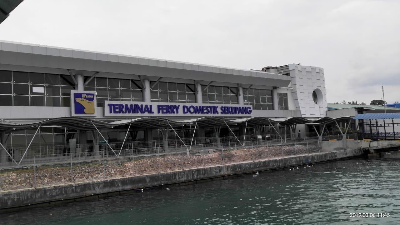 Pelabuhan-pelabuhan Batam dan Kantor BP Batam Mulai Disemprot Desinfektan