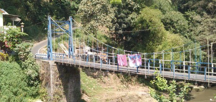 Sosok Lelaki Misterius Di Jembatan Lembayung Kota Malang