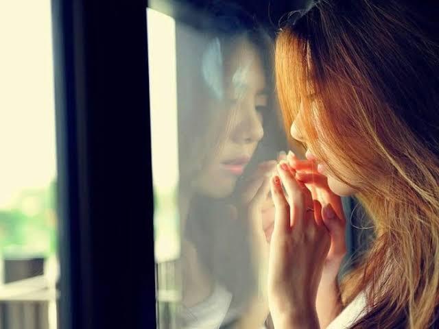 Jangan Sampai Menyesal di Akhir, Inilah 5 Kerugian dari Keseringan Memendam Perasaan